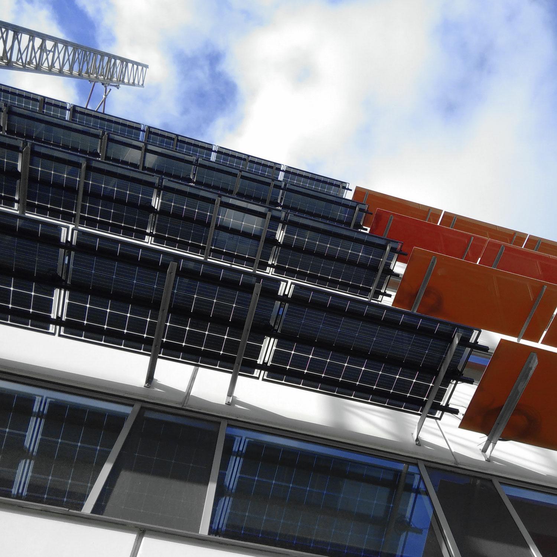 Solceller på vägg Stapelbädden Malmö